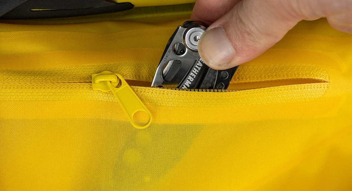 apidura-backcountry-frame-pack-feature-interior-pocket.jpg