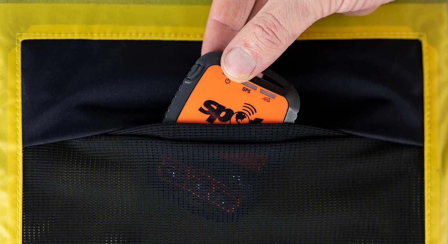 apidura-backcountry-accessory-pocket-4l-feature-interior-pocket.jpg